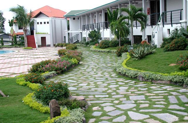 Chọn hướng phong thủy sân vườn