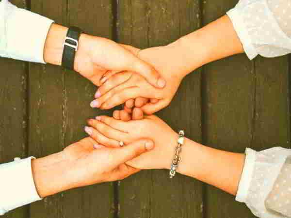 3 chòm sao sống tình cảm luôn quan tâm đến mọi người
