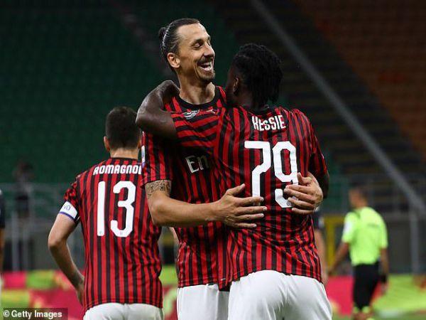 Tin bóng đá tối 15/1: AC Milan thừa cơ bứt tốc tại Serie A